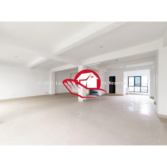 COMMERCIAL BUILDING OFFICE SPACE AVAILABLE ON RENT